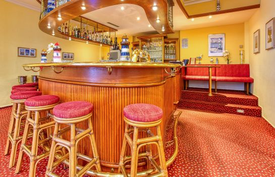 Hotel bar Elbotel Rostock by Centro