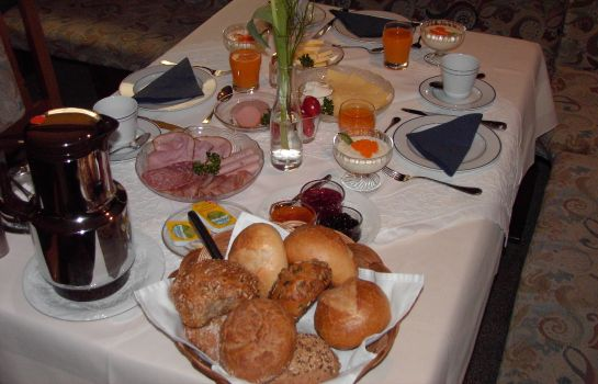 Breakfast buffet Am Mohns Park