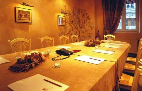 Conference room Hotel Josephine by HappyCulture