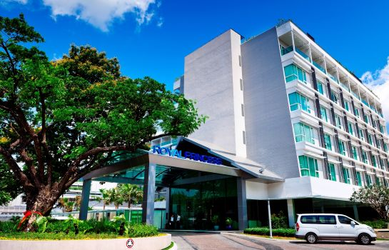 Exterior view Royal Princess Larn Luang