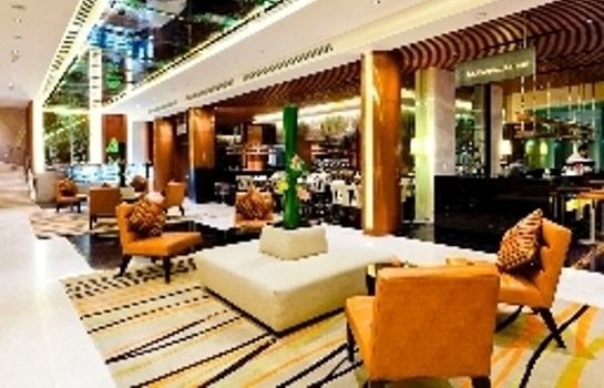 Lobby Royal Princess Larn Luang