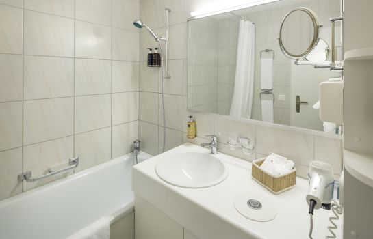 Bagno in camera Kastanienbaum Swiss Quality Seehotel