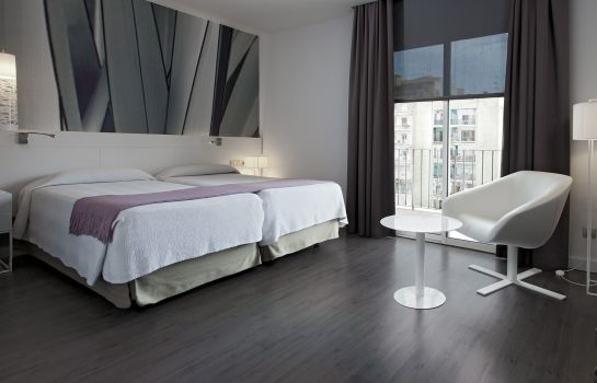 Double room (standard) NH Barcelona Stadium