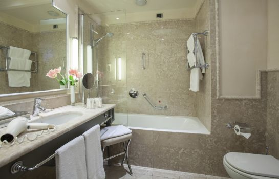 Bagno in camera Starhotels Tuscany