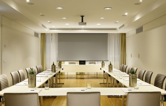 Conference room UNAHOTELS Century Milano