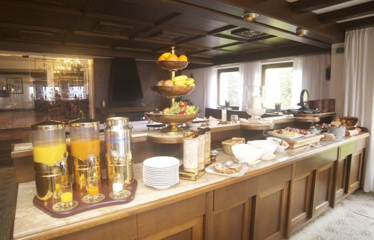 Breakfast buffet Hotel Sonnhof Mutters
