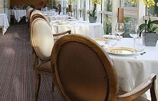 Restaurant Chateau De Sully