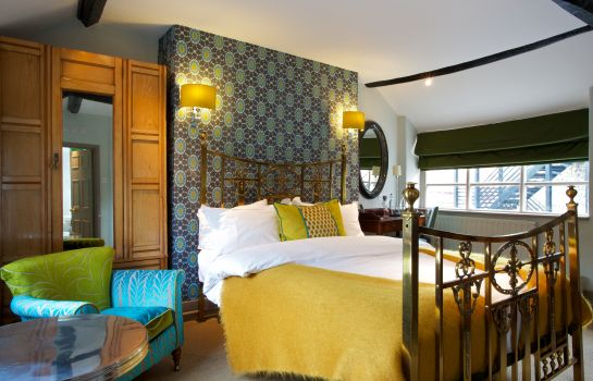 Double room (standard) The Feathers