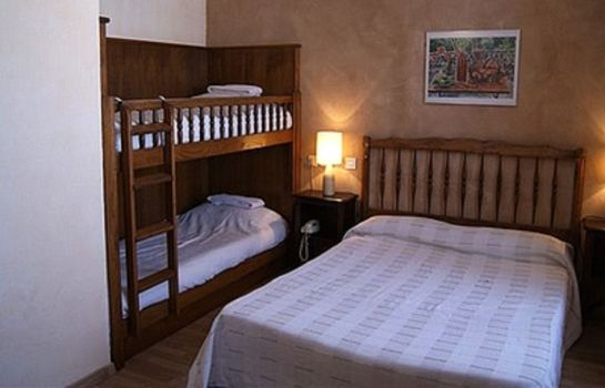 Four-bed room La Paix Logis