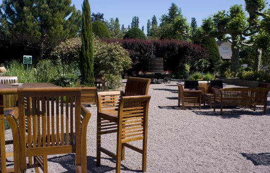 Garten Hostellerie Bourguignonne Chateaux Et Hotels Collection