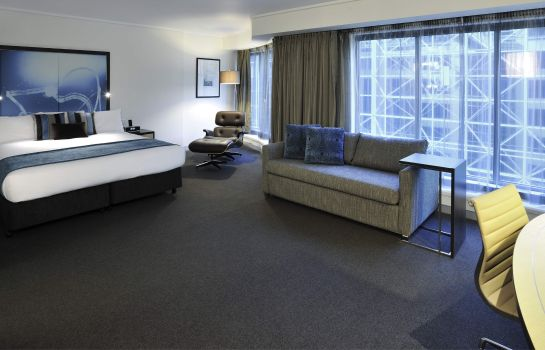 Junior suite Novotel Melbourne on Collins