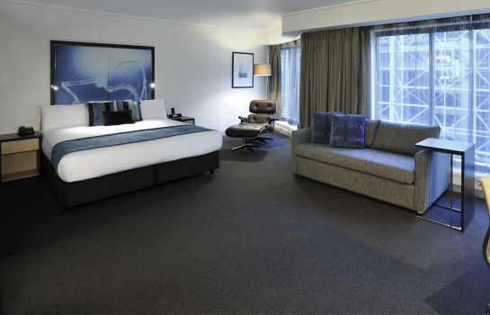 Room Novotel Melbourne on Collins
