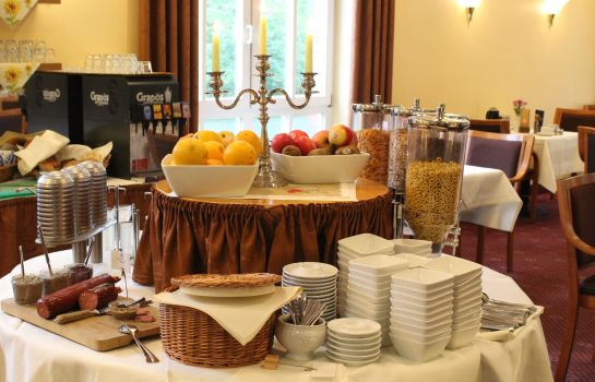 Breakfast buffet The Royal Inn Park Hotel Fasanerie