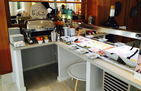 Breakfast buffet Arthotel ANA Munich Messe