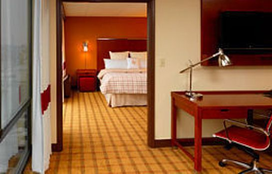 Suite Four Points by Sheraton Philadelphia Northeast