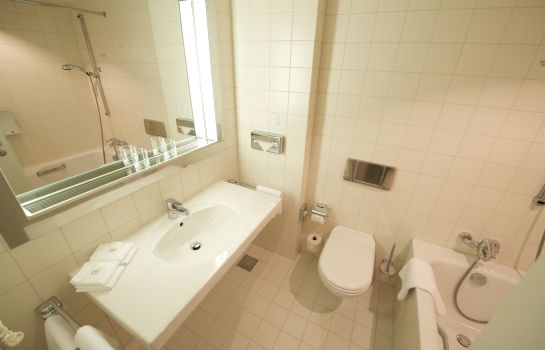 Salle de bains Holiday Inn BERLIN - CITY WEST