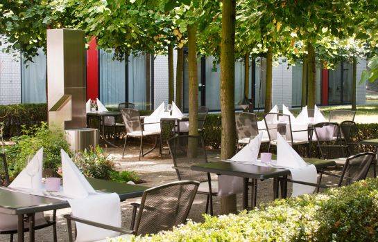 Terrasse Holiday Inn BERLIN - CITY WEST
