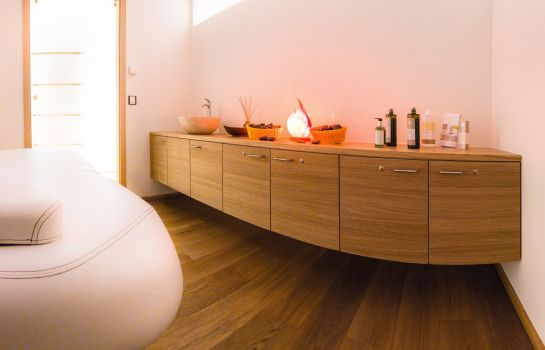 Massage room Romantik Hotel Rindenmühle