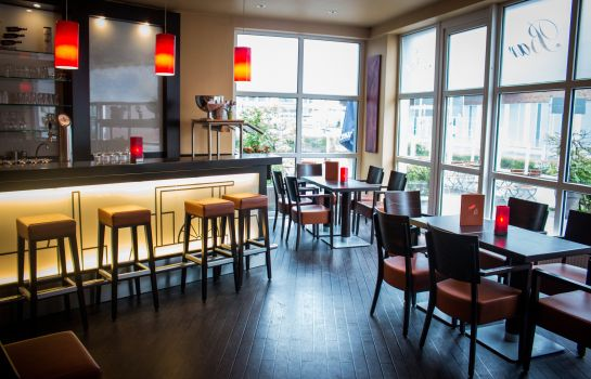 Bar hotelowy Ramada by Wyndham Hotel Bottrop