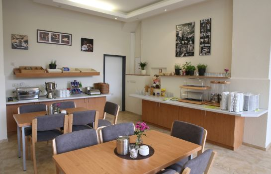 Breakfast room City Pension Magdeburg