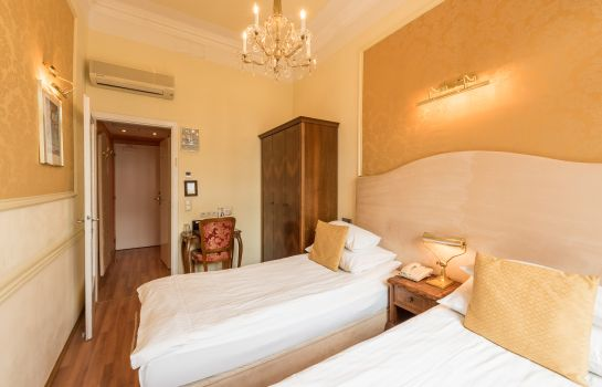 Double room (standard) Arenberg Pension