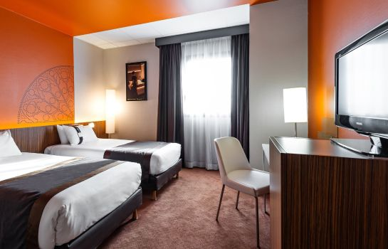 Zimmer Holiday Inn REIMS - CITY CENTRE