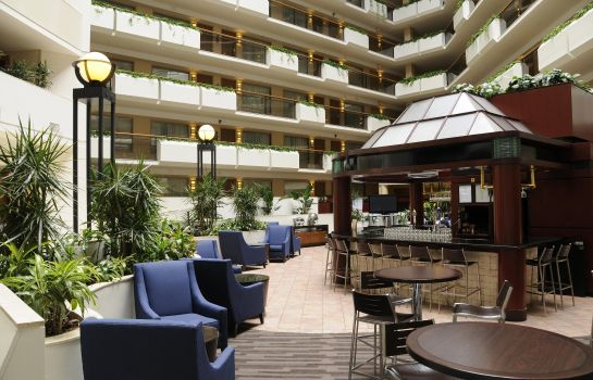 Hotel-Bar Embassy Suites by Hilton Tysons Corner