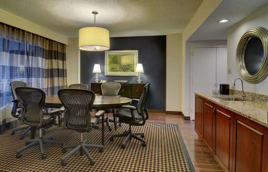 Zimmer Embassy Suites by Hilton Atlanta Buckhead