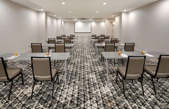 Conference room Embassy Suites by Hilton Atlanta Perimeter Center