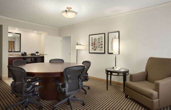 Zimmer Embassy Suites by Hilton Atlanta Perimeter Center