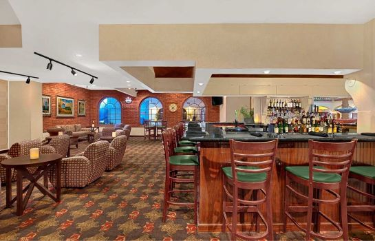 Bar hotelowy Embassy Suites by Hilton Kansas City Plaza