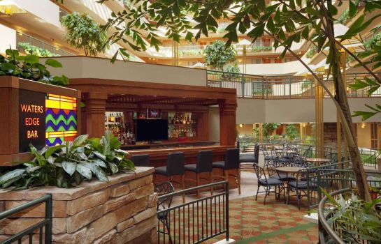 Hotel bar Embassy Suites by Hilton Omaha Downtown Old Market