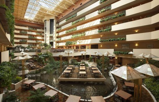 Hol hotelowy Embassy Suites by Hilton Omaha Downtown Old Market