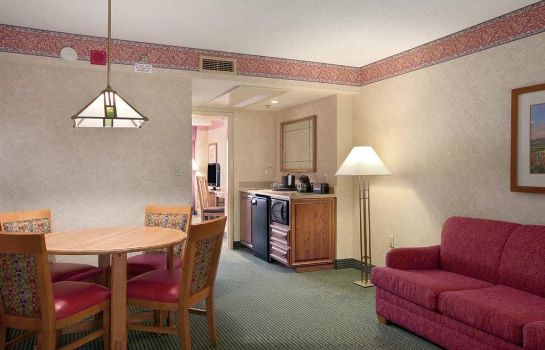 Suite Embassy Suites Omaha - Downtown-Old Market