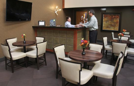 Hotel-Bar Embassy Suites by Hilton Oklahoma City Will Rogers Airport