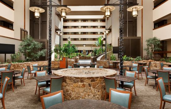 Hotelhalle Embassy Suites by Hilton Oklahoma City Will Rogers Airport