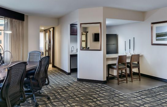 Suite Embassy Suites by Hilton Dallas-Love Field