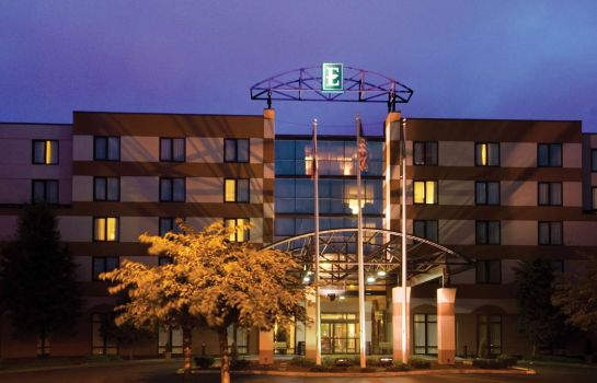 Exterior view Embassy Suites by Hilton Seattle North Lynnwood