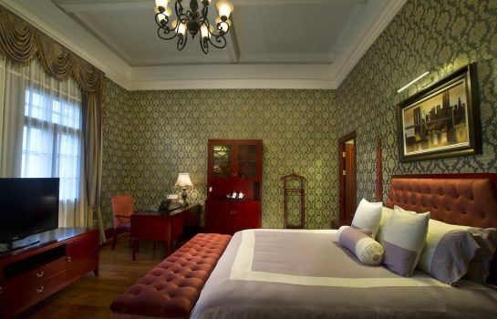 Room Astor House Hotel