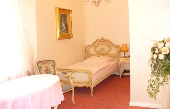 Single room (superior) Villa Toscana