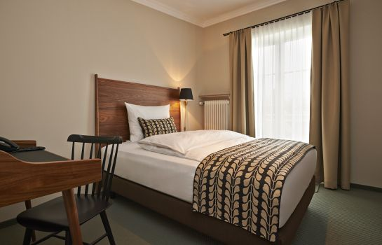 Single room (superior) Prinz Myshkin Parkhotel