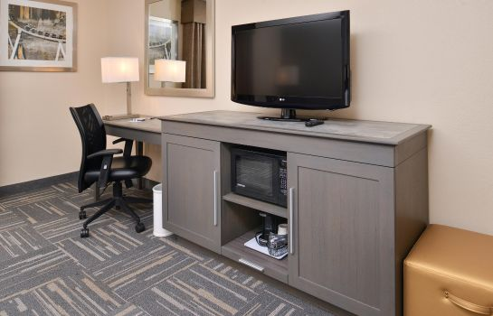 Room Hampton Inn closest to Universal Orlando
