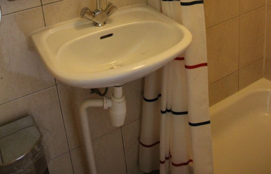 Bathroom Budget Dam Hotel