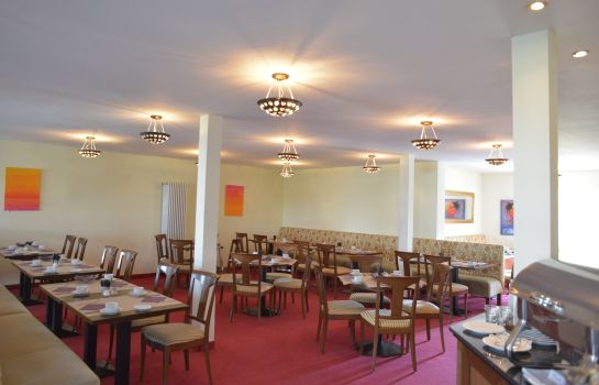 Breakfast room Schloss Reinach Munzingen