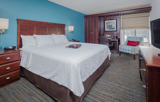 Zimmer Hampton Inn Madison East Towne Mall Area