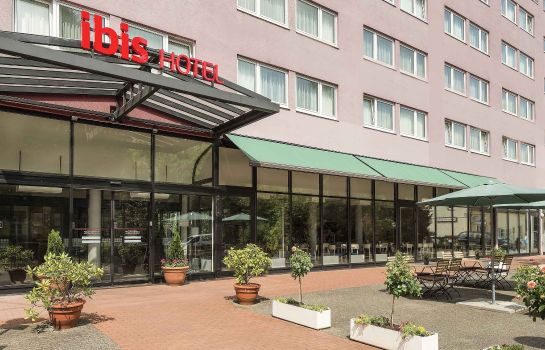 Exterior view ibis Berlin Airport Tegel