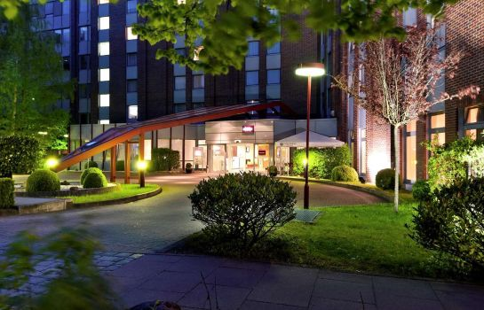 Exterior view Mercure Hotel Hamburg am Volkspark