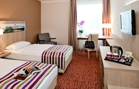 Double room (standard) Mercure Hotel Hamburg am Volkspark