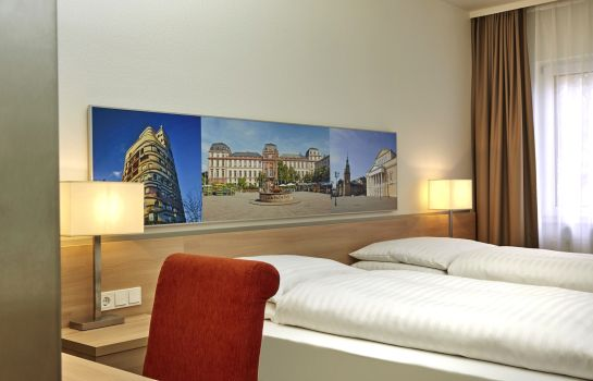 Double room (superior) H+ Hotel Darmstadt