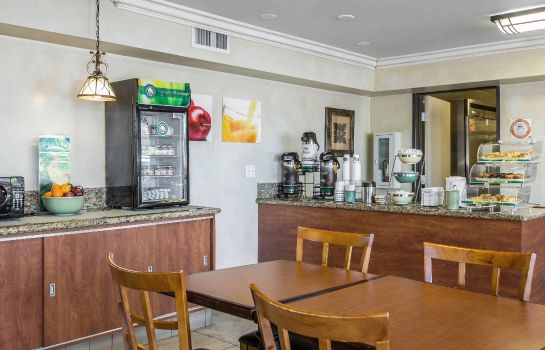 Info Quality Inn & Suites Anaheim Resort